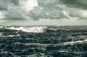 Hal Yang Terjadi Di Bawah Laut Selama Badai Berlangsung