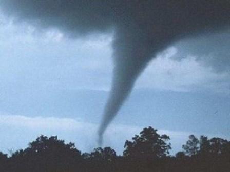 Efek Yang Terjadi Saat Terjadi Dan Setelah Terjadi Angin Topan